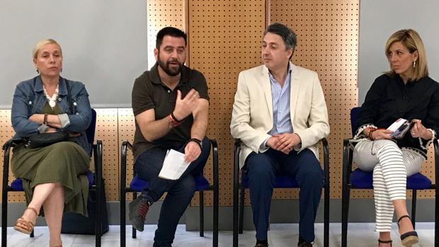 El candidato del PSOE, Fran González, se ha reunido con varios colectivos y empresarios para las elecciones municipales de Cádiz 2019.