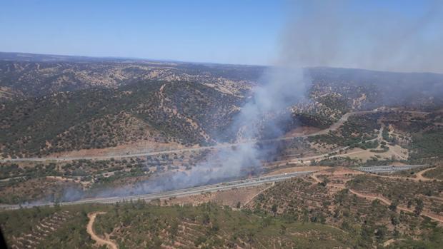 El Infoca informa de un incendio producido en la Cuesta de la Media Fanega de El Garrobo