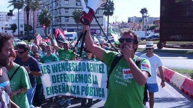 Kichi, en su etapa como sindicalista de Ustea, en una manifestación. :: l. v.