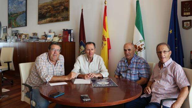 Acuerdo entre el Ayuntamiento y la Peña Perico Alcántara.
