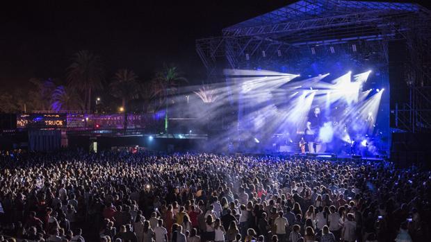 Luis Fonsi causó gran expectación en el Concert Music Festival.
