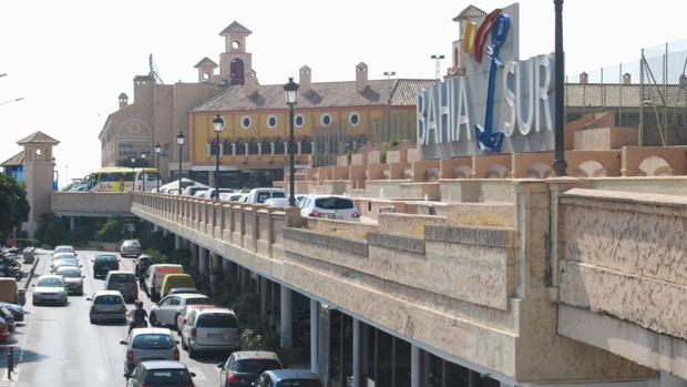 El centro comercial Bahía Sur prepara una nueva ampliación.