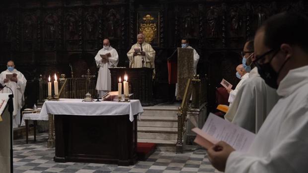 La Catedral de Cádiz celebra los 182 años de su consagración