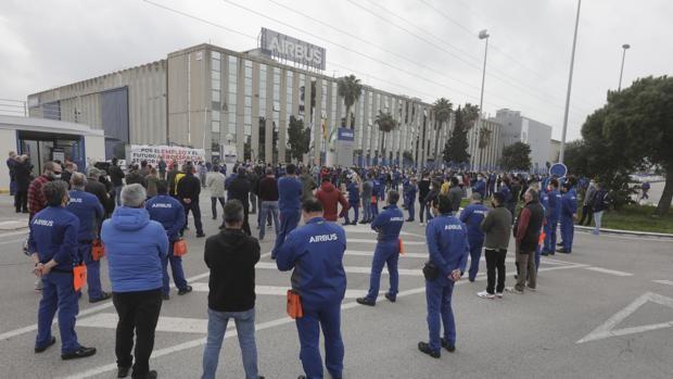 Airbus Puerto Real toma la calle contra el cierre de la planta