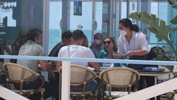 Tres distritos y 26 municipios de Cádiz, pendientes del comité de alertas de esta tarde para pasar al Nivel 3