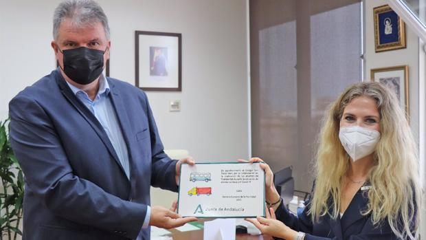 La Junta reconoce al Colegio San Felipe Neri por facilitar la celebración de las pruebas CAP