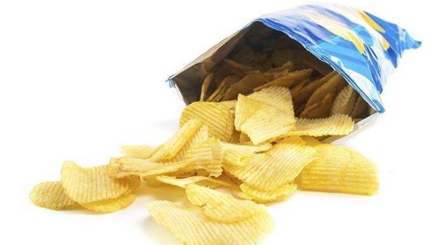 El aporte energético medio de las patatas fritas es de 522 Kcal/100g