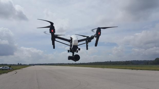 Un dron de Asemerpa en pleno vuelo