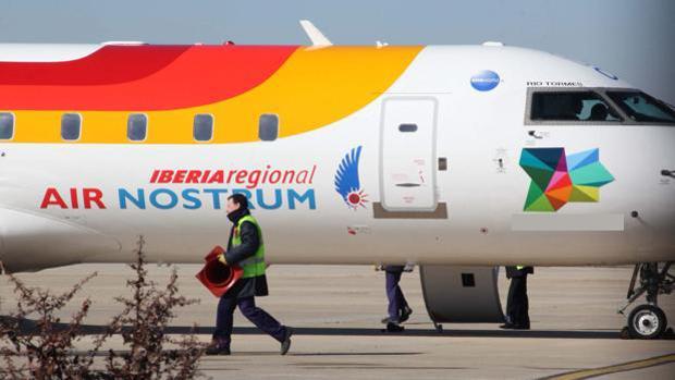 Imagen de un avión regional de Iberia