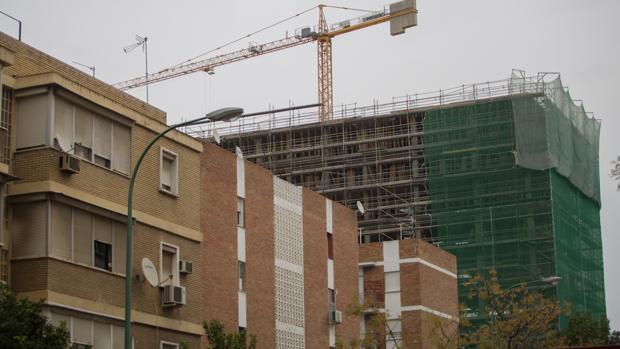 Construcción de viviendas en la Carretera Carmona de Sevilla