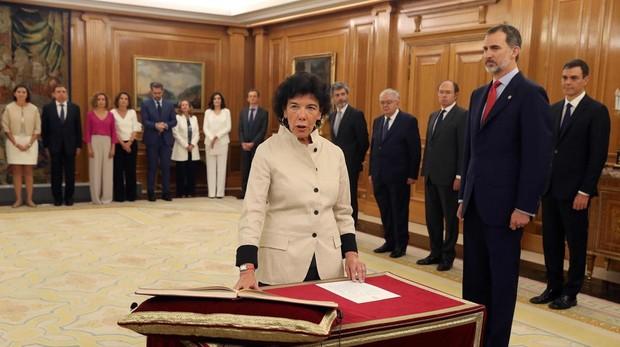 Isabel Celaá promete su cargo como ministra de Educación