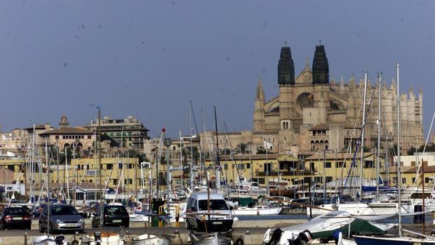 La misa en honor de San Sebastián se celebra el 20 de enero en la catedral de Palma