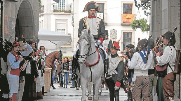 La Celebración de la Reconquista enfrenta a los invasores franceses y a los ciudadanos de Vigo que repelieron su llegada
